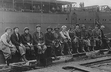 historic Photograph of Women Rivet Heaters at Puget Sound Navy Yard